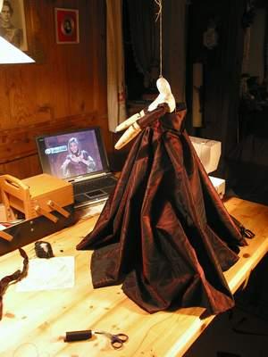 Wie eine Marionette entsteht