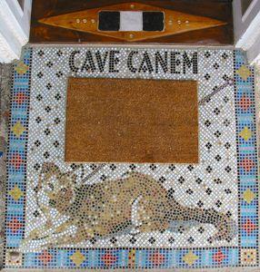 """Spezielles: Mosaik """"Cave Canem"""""""