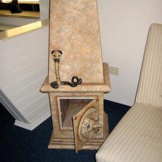 Obelisk als Möbel