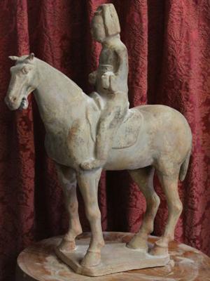 Pferd aus Ton. China, Ming Dynastie