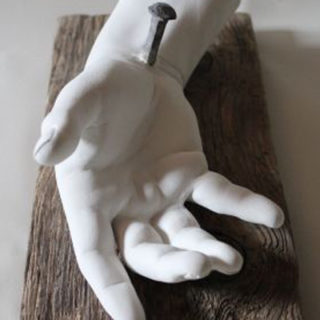 """Religion: Skulptur """"Hand Jesu"""""""