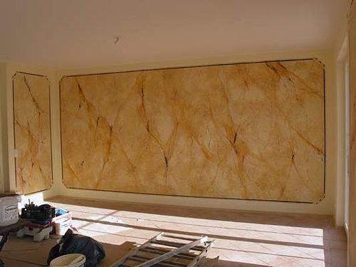 Marmorierte Wand