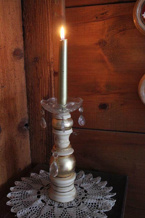 gedrechselter Kerzenhalter