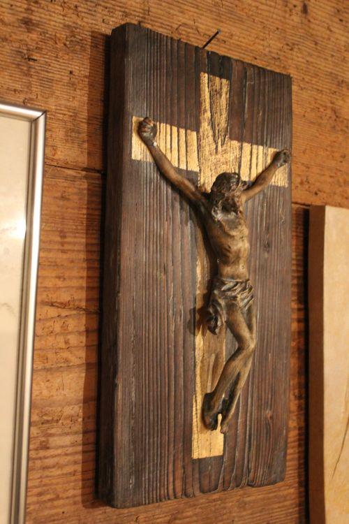 Jesus Schwemmholz seitlich