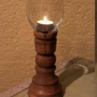Drechselarbeiten: Teelichthalter aus Pflaumenholz