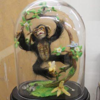 Stofftiere-plueschtiere: Ein Affe aus Filz genadelt